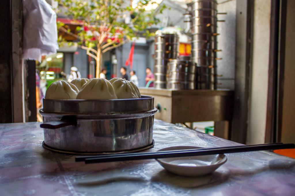 Mäsové knedlíky v centre Pekingu